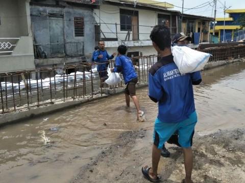 Banjir Rob Terjang Pantai Utara Jakarta