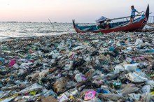 Menteri Muhadjir Ingatkan tak Buang Sampah ke Laut