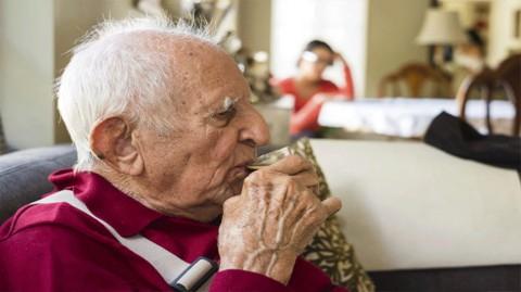 Studi: Pendidikan yang Tinggi Kurangi Risiko Alzheimer