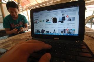 Peralihan Konsumen ke Belanja Online Masih Kecil