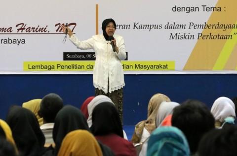 Risma Sebut Penghargaan Bukan Tujuan Pemkot Surabaya