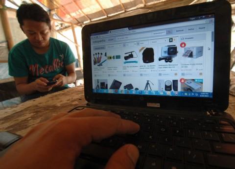 Belanja <i>Online</i> Gratis Ongkos Kirim, Mungkinkah?