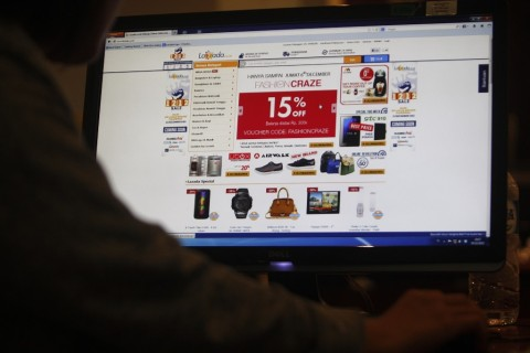 Pentingnya Memahami Syarat dan Kebijakan <i>e-Commerce</i> Saat Belanja Online