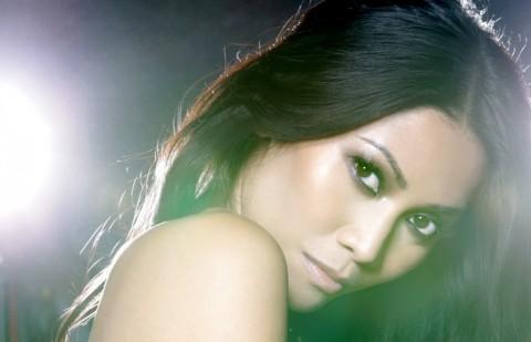 Kisah Di Balik 10 Lagu dalam Album Baru Anggun, Termasuk soal Salah Pilih Pemimpin