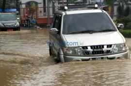 Libas Banjir Arus Deras? Jangan Pakai Seat Belt