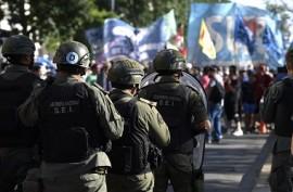Demo Pensiun di Argentina Ricuh, Polisi Tembakkan Peluru Karet