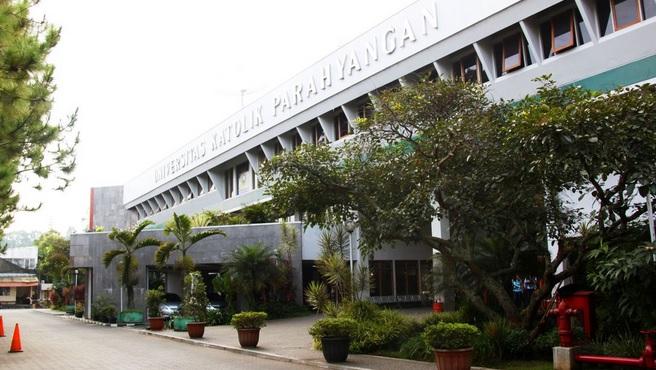 Gedung rektorat dan biro. Foto: dok Unpar