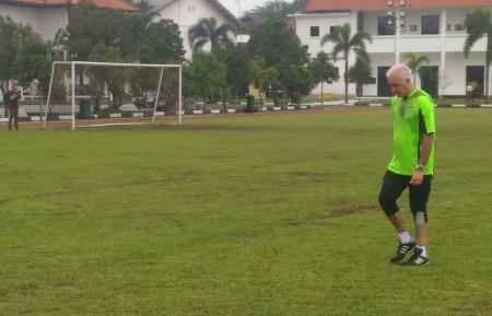 Gomez Sodorkan Lima Pemain Lokal ke Manajemen Persib