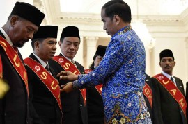 Presiden Anugerahkan Satyalencana kepada Pendonor 100 Kali