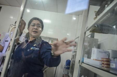 Cegah Difteri, Nila Moeloek Ingin Wisatawan Asing di Indonesia