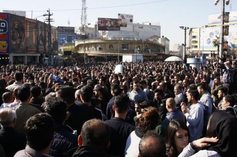 Demonstran Bakar Kantor Wali Kota di Kurdistan Irak