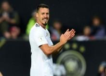 Bayern Muenchen Resmi Merekrut Sandro Wagner