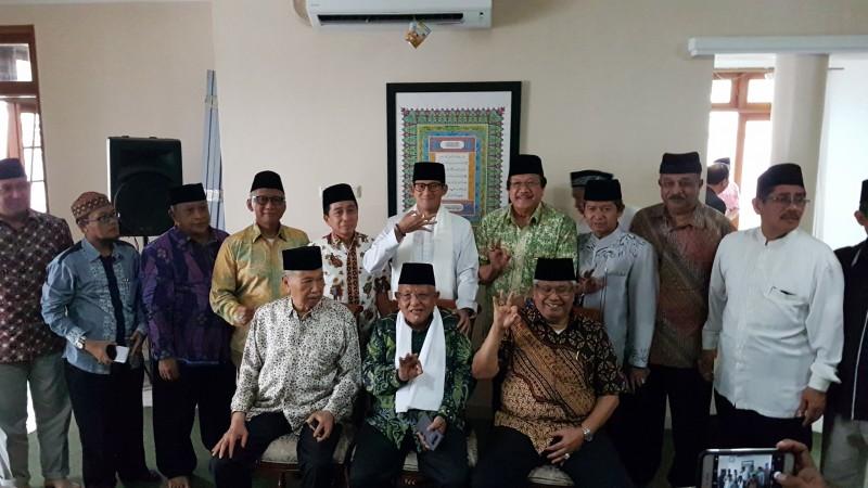Wagub Sandiaga Uno bersama Forum Ulama Habaib Jakarta di Rudin Wagub DKI Jakarta. Foto: Medcom.id/M. Rizky Adhestian.