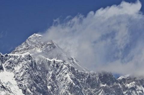 Nepal Larang Pendaki Naik ke Everest Seorang Diri