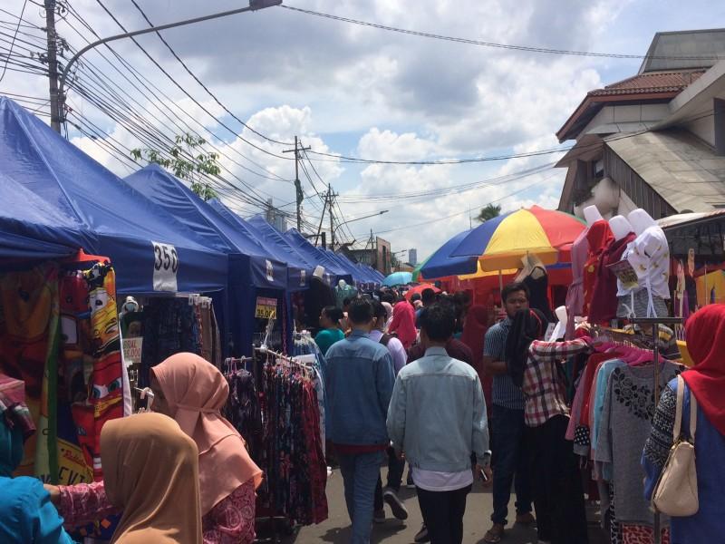 Suasana PKL di Jati Baru, Tanah Abang, Jakarta Pusat/Medcom.id/Monica Felicitas Gracia