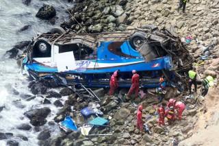 Bus Terjun ke Jurang, 36 Warga Peru Tewas