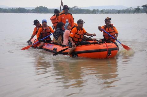 BPBD Mataram Dapat Bantuan 2 Perahu Karet