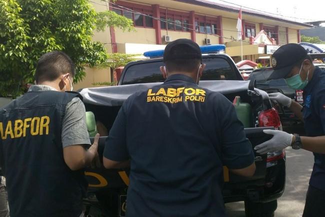 Ilustrasi--Tim Labfor mengumpulkan barang bukti di Kantor Polsek Bontoala, Makassar, Sulawesi Selatan. Foto: Medcom.id/Andi Aan Pranata
