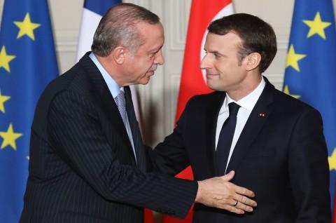Macron Tegaskan Turki Tidak Bisa Gabung Uni Eropa