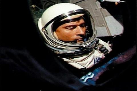 Astronot 'Perintis' John Young Meninggal Dunia