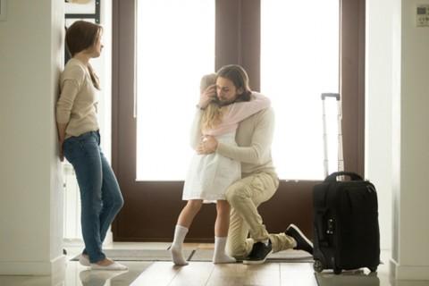 7 Cara Bijak Bicarakan Perceraian dengan Anak