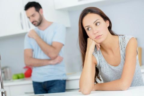 4 Tanda Hubungan Anda dan Pasangan Sulit Dipertahankan