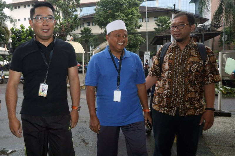 Bakal calon gubernur dan wakil gubernur Jawa Barat Ridwan Kamil-Uu Ruzhanul Ulum bersiap menjalani tes kesehatan -- medcom.id/Roni Kurniawan