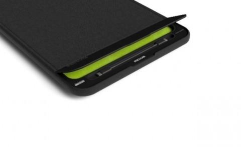 Kantong MacBook Pro Ini Pasang Baterai Ekstra 14.000 mAh