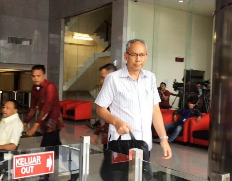 Bimanesh Sutarjo saat memenuhi panggilan penyidik KPK - Medcom.id/Juven Martua Sitompul