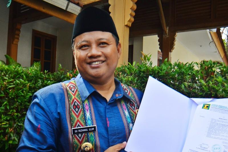Uu Ruzhanul Ulum, Bupati Tasikmalaya yang menjadi calon wakil gubernur pendamping Ridwan Kamil di Pilgub Jabar 2018. Foto: Antara/Adeng Bustomi