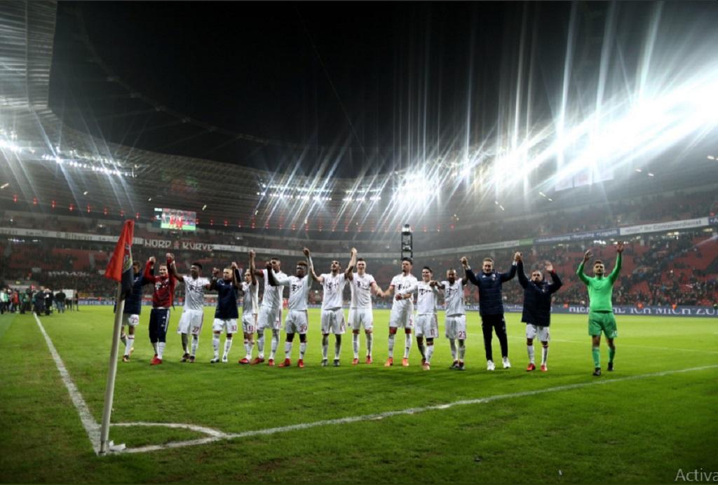Pemain Bayern usai menang atas Bayer Leverkusen (Foto: twitter bayern)