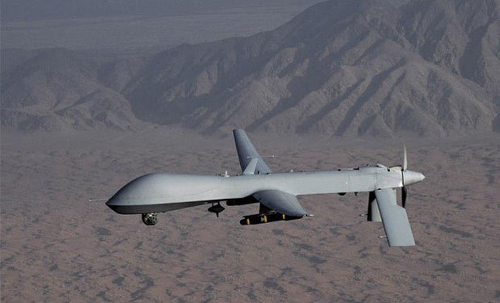 Sebuah drone atau pesawat terbang tak berawak menjadi senjata ampuh dalam peperangan (Foto: AFP).