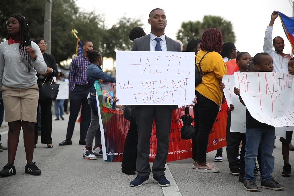 Imigran Haiti yang berada di Amerika Serikat mengecam ucapan kasar Presiden Donald Trump (Foto: AFP).