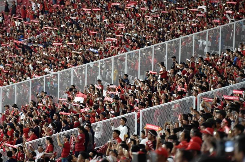 Potret para suporter Indonesia saat laga persahabatan kontra Islandia (Foto: ANTARA FOTO/Puspa Perwitasari)
