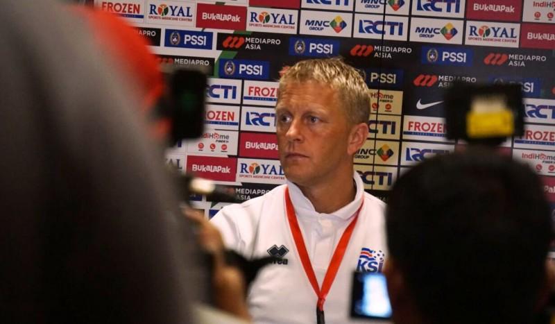 Pelatih Islandia Heimir Hallgrimsson saat melakukan konferensi pers usai pertandingan di SUGBK (Foto: Kautsar Halim/Medcom.id)