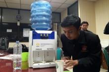 Mahasiswa UNNES Peduli Tunanetra dengan Ciptakan Dispenser Khusus