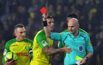 Wasit yang Tendang Pemain Nantes Dihukum