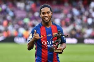 Ronaldinho Resmi Pensiun, Laga Perpisahan Disiapkan