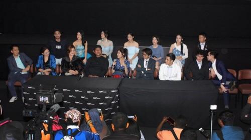 Jumpa pers usai gala premier Dilan 1990 di CGV Grand Indonesia