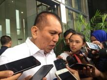 Eks Ketua Komisi II Berkelit Terima Uang Korupsi KTP-el