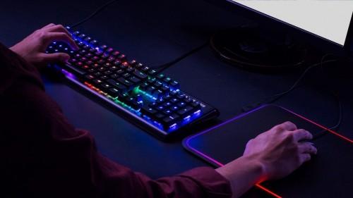 Keyboard gaming SteelSeries APEX M750.
