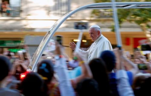 Paus Fransiskus melakukan kunjungan di Chile (Foto: AFP).