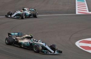 <i>Launching</i> Mobil Anyar Mercedes Bersamaan Ferrari