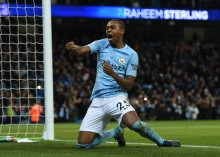 Fernandinho Tambah Masa Bakti Manchester City