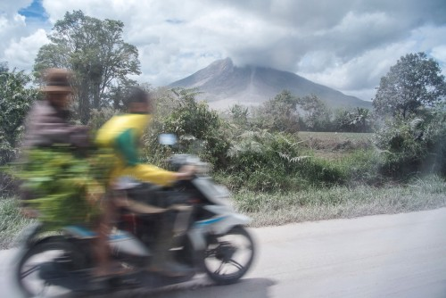 Ilustrasi erupsi Gunung Sinabung, Sumatera Utara. Foto: