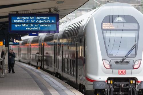 Layanan kereta api di sejumlah wilayah Jerman dihentikan akibat