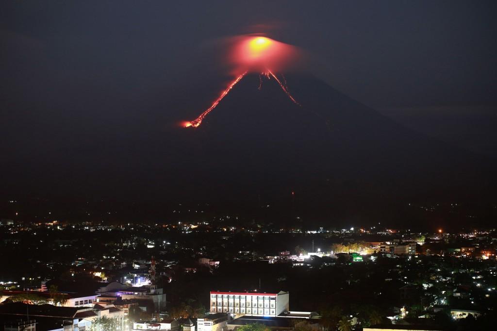 Potret Erupsi Gunung Mayon di Filipina