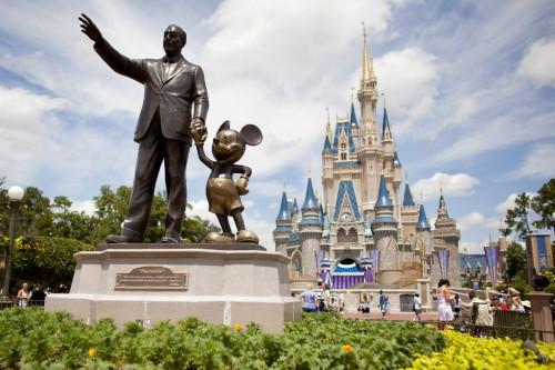 Disney menunjuk mantan petinggi Apple untuk mengelola aplikasi
