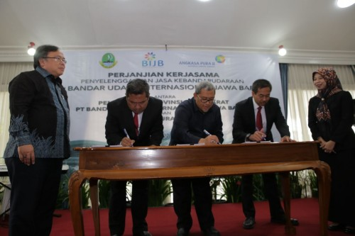 Penandatanganan perjanjian kerjasama antara Pemprov Jabar, PT