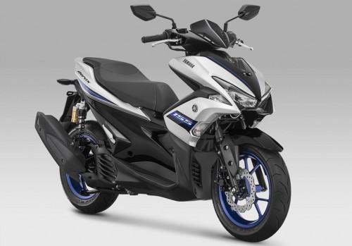 Kini Aerox 155 R-Version punya tiga pilihan warna. Yamaha